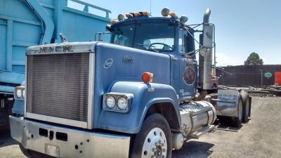 85 MACK Semi, Wet Kit