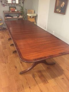 Huge antique mahogany extendable dining table - 130