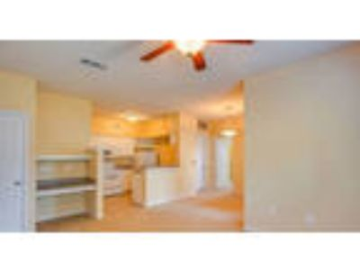 Two BR Apartment - Just a short journey from Beaver Lake or the Bella golf