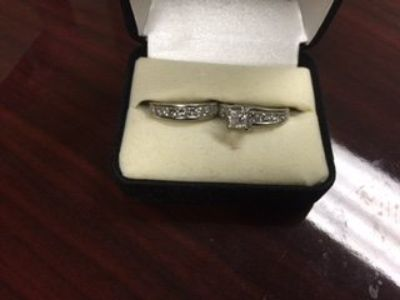 Ladies 2CT TW Engagement Ring and Wedding Band