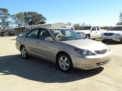 2004 Toyota Camry LE (GLD)