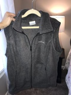New without tags fleece Columbia vest!