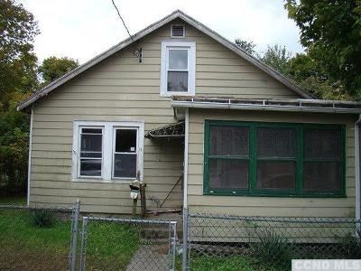 2 Bed 1 Bath Foreclosure Property in Hudson, NY 12534 - Spring St
