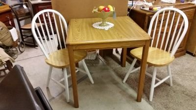 Table Dining & Chairs