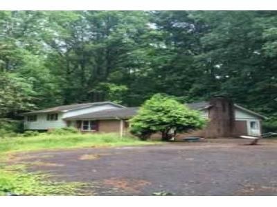 3 Bed 2.5 Bath Foreclosure Property in Travelers Rest, SC 29690 - Coleman Dr