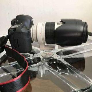 Canon 5D mk III w Canon 70-200 f2.8 lens