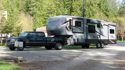 Komfort 5th Wheel w5 Slides  05 GMC Duramax