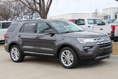 2019 Ford Explorer XLT (magnetic)