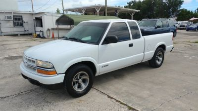 2003 Chevrolet S-10 Base (White)