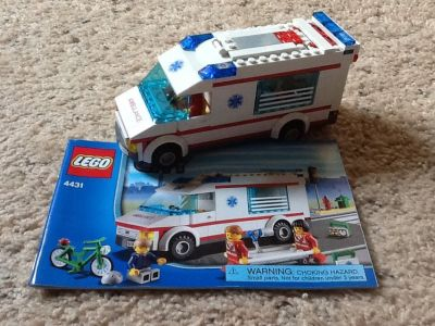 LEGO #4431 - City Ambulance