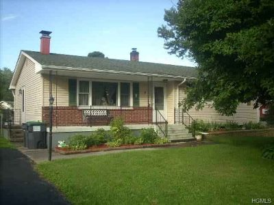 4 Maple Lane Hudson, Wonderful opportunity to own a