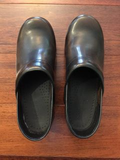 Women's Brown Professional Clogs Sanita (like Dansko) Sz 38