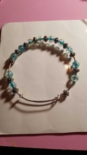 Handmade adjustable bracelet with beads