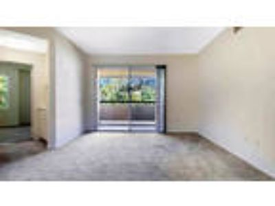 Valencia - 2bd/Two BA 1,050sqft Apartment for rent. Pet OK!