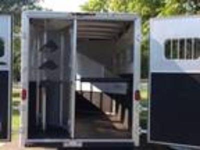 StepUp Trailer Exiss SS30 3 Horse