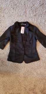 Womens/Juniors Fitted black suit jacket. New with tags !