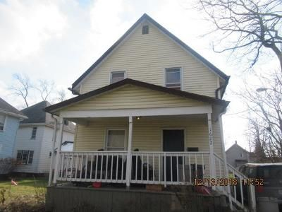 2 Bed 1 Bath Foreclosure Property in Canton, OH 44705 - Bernice Ct NE