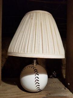 SOFTBALL LAMP