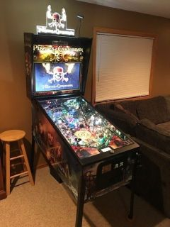 PIRATES OF THE CARIBBEAN pinball game