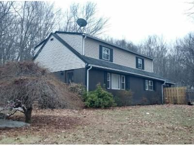 4 Bed 1.5 Bath Foreclosure Property in Hewitt, NJ 07421 - Linwood Rd