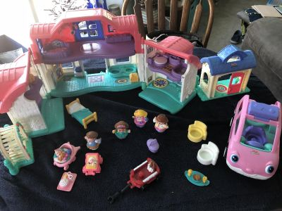 Fisher Price Doll House set