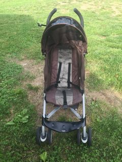 Grace stroller 5 point harness lightweight folds down best stroller ever