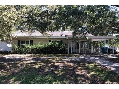 3 Bed 1 Bath Foreclosure Property in Pascagoula, MS 39567 - Oliver St