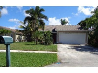 3 Bed 2 Bath Foreclosure Property in West Palm Beach, FL 33417 - Clearview Ter