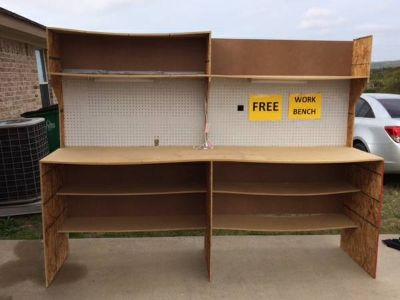 FREE WORKBENCH WITH RECESSED LIGHTS (KilleenCove