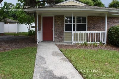 2 bedroom in Beaufort