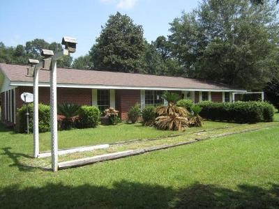 3 Bed 2 Bath Foreclosure Property in Picayune, MS 39466 - Montgomery Rd