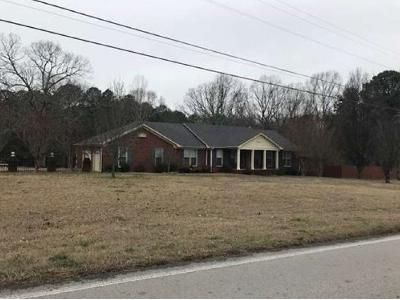 2 Bed 2 Bath Foreclosure Property in Decatur, AL 35603 - Danville Rd SW