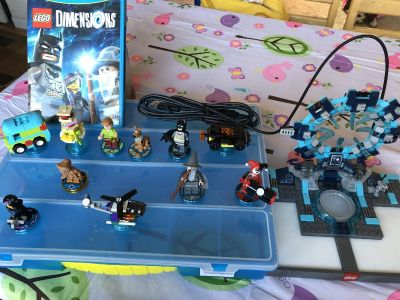Wii U Lego Dimensions game, console, 11 figures, carrying case