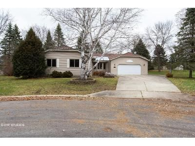 3 Bed 2 Bath Foreclosure Property in Owatonna, MN 55060 - Edgewood Pl