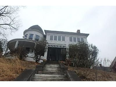 8 Bed 1.5 Bath Foreclosure Property in Naugatuck, CT 06770 - Fairview Ave
