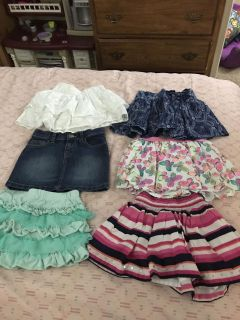 6 skirts size 5 all for $8 firm