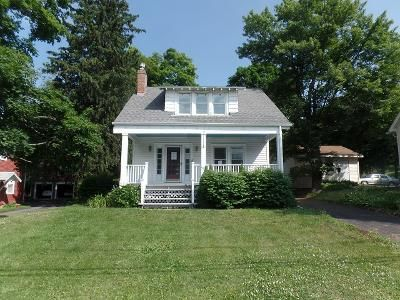 3 Bed 1 Bath Foreclosure Property in Troy, NY 12180 - Hoosick Rd