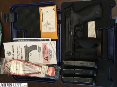 For Sale: Smith & Wesson M&P 9 (Like New)