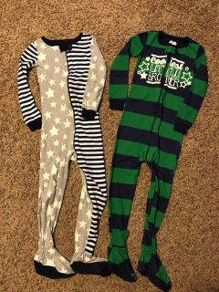 Size 5T Children s Place pajamas (1 new 1 worn)