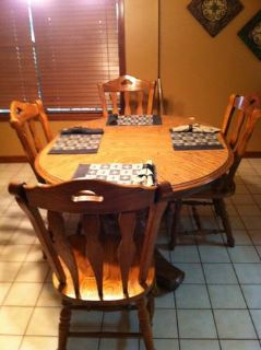 DINING ROOM TABLE 6 SEATER