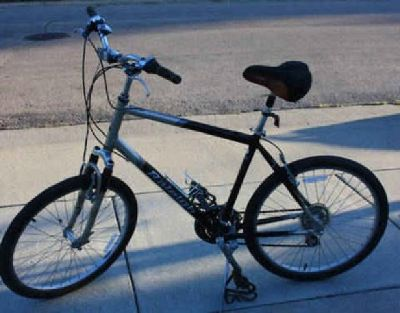 $295 Almost new Raleigh Crossover bike