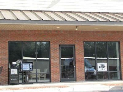 Macon Center Drive Franklin, Commercial rental w/ great