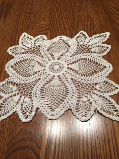 10.5 Vintage Pineapple Posy Crocheted Doily