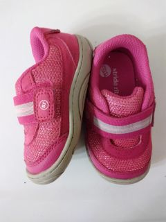 Stride rite toddler size 5 - good condition