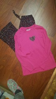 Ladies size small June&Daisy brand sleep set, daughter has worn pants a few times, top has not