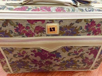 Vintage LEISURE Victor Luggage Suitcase Floral Tapestry 21.5x14.5x7