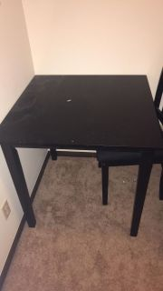 Square table 2 chairs