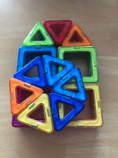 New 40 pieces magnetic building blocks.