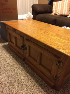 Solid oak lift top coffee table