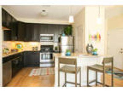Monmouth Row Apartments - The Washington